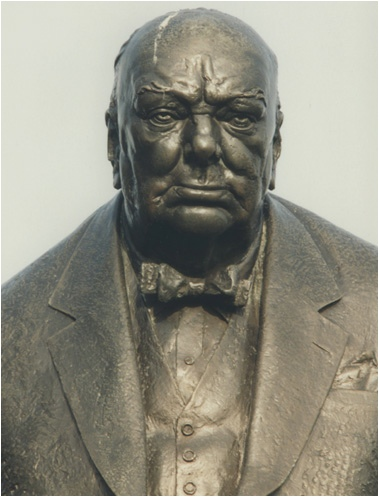 1959/4 Churchill The Woodford Statue